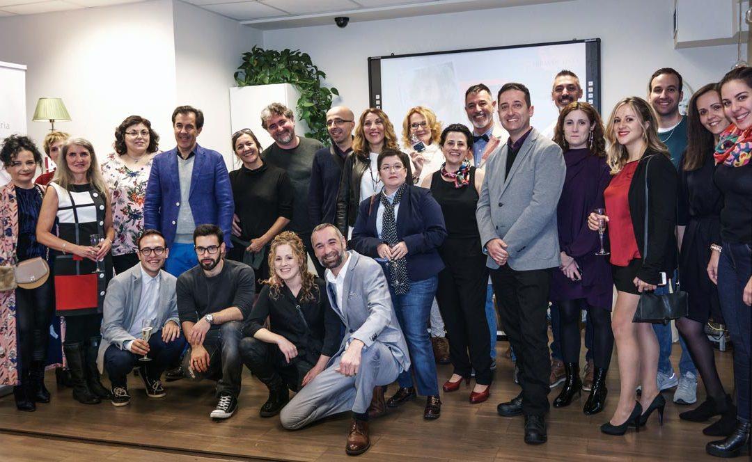 Todos los invitados a la fiesta de autopublicación de la editorial Hebras de Tinta