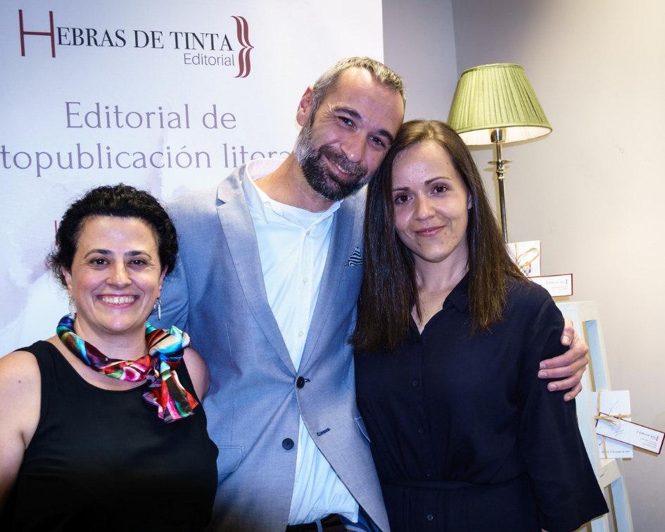Equipo de dirección de la editorial Hebras de Tinta. Autopublicación literaria