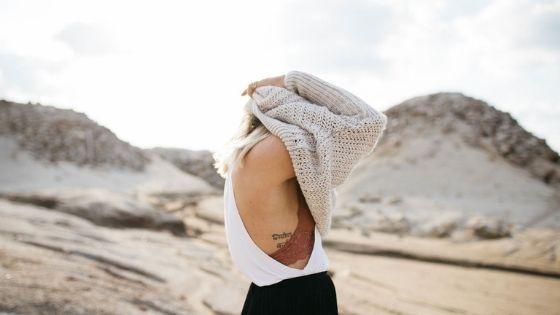 Mujer del desierto. Lucía Gorría, escritora de Hebras de Tinta